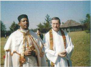 Don Luigi Codemo con padre Teshome durante il gemellaggio con la parrocchia Etiope di S.Marco in Nadene